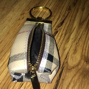 Burberry Accessories - Burberry coin holder keychain